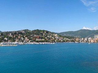 Rapallo Holiday Apartment 10695
