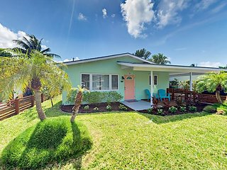 Newly Renovated 3BR w/ Sunroom, Fire Pit & Fenced Yard  - 2 Miles to Beach