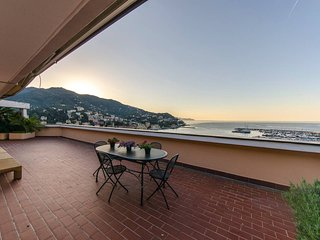 Rapallo Holiday Apartment 10636