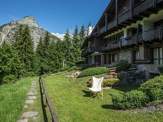 Courmayeur Holiday Apartment 14444