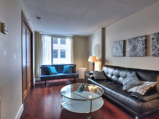 1208 . Deluxe Condo Old Port/Convention Centre/Downtown8A