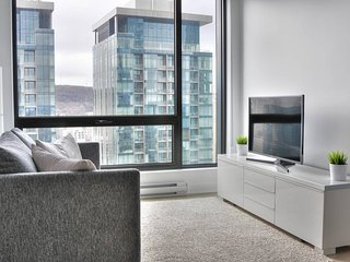 2416 . High End Condo-Tour des Canadiens- Top Location 4J