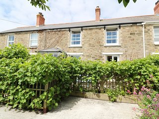 MELLOW COTTAGE, terrace garden, off road parking, coastal, in Perranporth, Ref