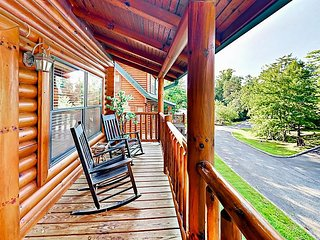 Delightful 2BR/2BA Mountain Retreat w/ Hot Tub & Game Room - Near Dollywood