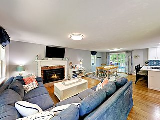 Remodeled 3BR w/ Expansive Deck & Fire Pit – Near Village & Loop Beach
