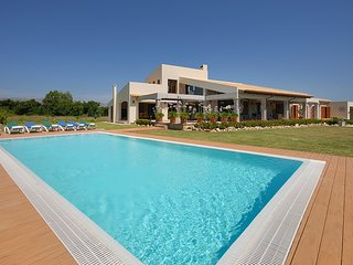 CAN GAT, country house with swimmingpool in Alcudia