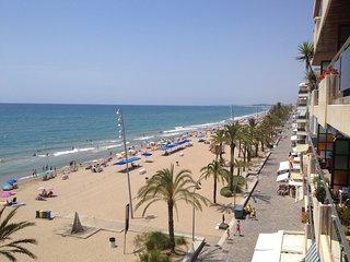 Beach Apartment MAR: sea views, Wi-Fi, parking