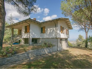 5 bedroom Villa in Paciano, Umbria, Italy : ref 5581956