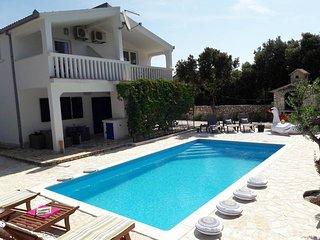 4 bedroom Villa in Voluja, Splitsko-Dalmatinska Zupanija, Croatia : ref 5437429