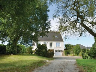 4 bedroom Villa in Lanmeur, Brittany, France : ref 5532572