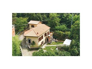 2 bedroom Apartment in Bagnone, Tuscany, Italy : ref 5566854