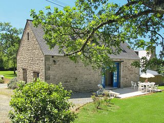 3 bedroom Villa in Plouzélambre, Brittany, France : ref 5436340