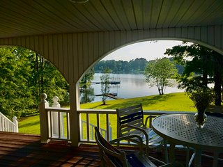 Lakefront HOUSE For Rent, Cozy 4 br/ Sleeps 12, Private Dock, Lake Greenwood SC