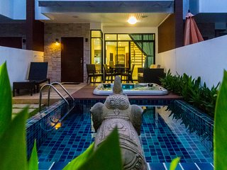 Pool and jacuzzi in Kamala holiday home for 6 people - APW3
