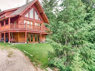 Christina Lake Log Home