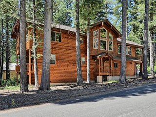 Tahoma Family Home-walking distance to Lake Tahoe!