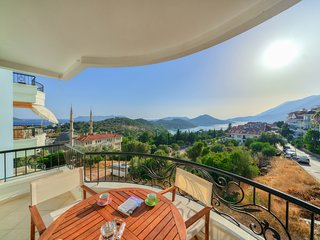 Luna Apartment : With Wonderfull View of Mediterranean and Meis Island