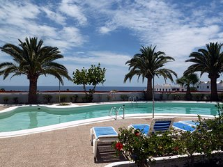 Sea view one bedroomed apartment, Atalaya Complex, private sunny balcony,wifi