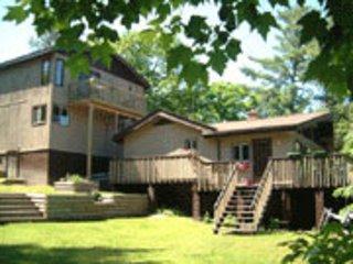 Rent A Larger Cottage - Smilin' Moose Lodge