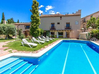 Catalunya Casas: Elegant Castellar villa 35km from Barcelona and a short walk to