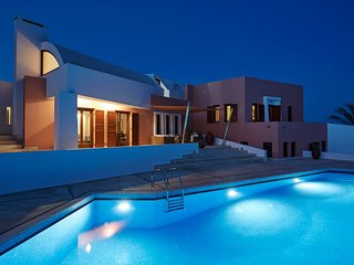 Ultra Luxury villa with 5 bedrooms and prive pool