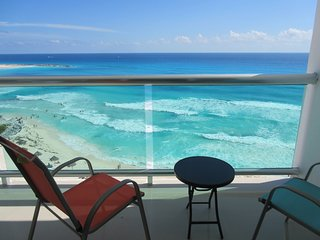 Ocean Dreams-Beach Front Penthouse