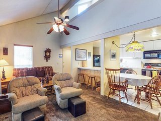 NEW LISTING! Mountain home w/shared pool, hot tub, sauna, near skiing and more
