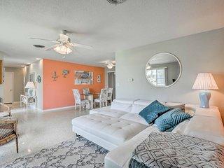 Cozy Ormond Beach House w/Deck - Walk to the Beach