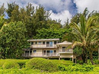 NEW LISTING! Gorgeous, oceanfront house w/stellar ocean views & beach access