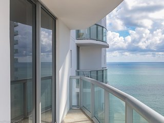Miami - Sunny Isles at Marenas Resort 1908 with ocean views for 6 guests