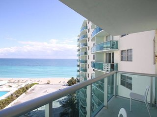 1/1 Miami - Hollywood Beach at Tides 11th fl. with direct ocean view for 4