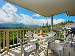 NEW LISTING! Private villa w/ gorgeous mountain and ocean views - beach nearby!