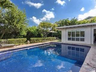 Home Sweet Home with private pool-Minutes to Beach