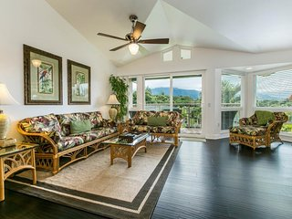 NEW LISTING! Spacious villa w/shared hot tub & pool, spectacular mountain views