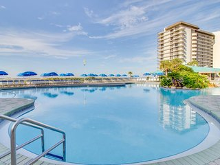 Oceanfront beach resort condo w/ 11 shared pools, hot tubs, & more!