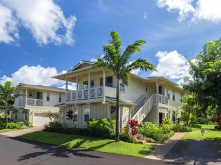NEW LISTING! Beautiful townhouse w/ shared hot tub & pools - walk to the beach!