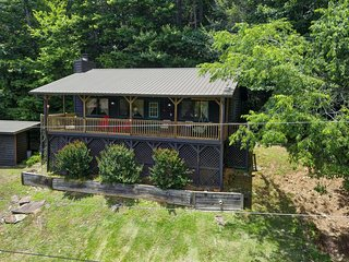 'Otter Cottage' Riverfront/Trailside Murphy Cabin!