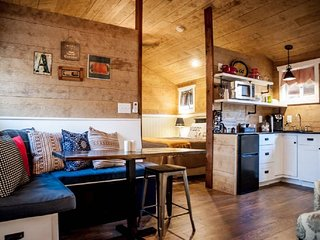 Alexander Creek Road Cottages - Lucky Star 1 Bedroom Cabin