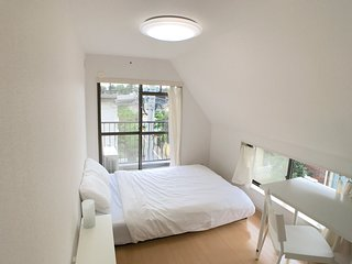 The White House Meguro - 2 Bedroom and 1 Bathroom - Tokyo Apartment BIG SPACE