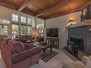 Spacious Lodge-Style Beauty at Widgi Golf Course!