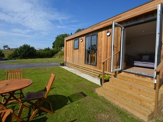 60292 Log Cabin situated in Conwy (3mls S)