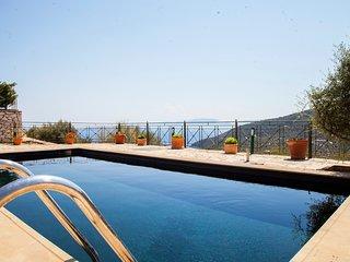 Villa Emma - Traditional Greek Villa with Panoramic View
