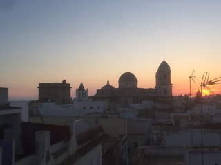 Unrivalled location in the centre of medieval Cádiz