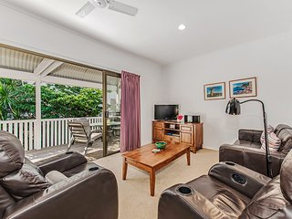 Riverbreeze holiday units, 2/16 James St Noosaville