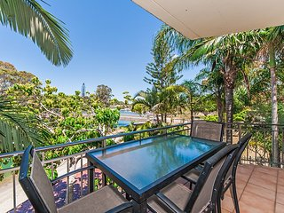 Noosa Sound Accommodation, 2/1 Noosa Pde