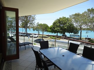 Nouvelle Noosa River front apartment