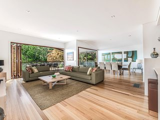 Noosa Luxury 4 brm family home - 36 Angler St