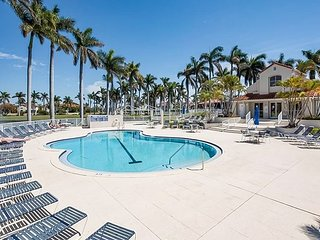 Resort-Style 2BR Condo, Steps to Pool, Minutes to Beach!
