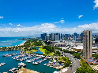 38th Floor Expansive Ocean Views in Honolulu Near Waikiki and Convention Hall
