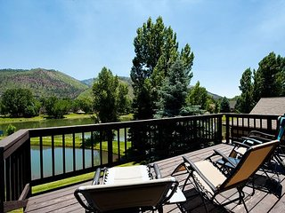 Luxury Home with amazing views on pond in Dalton Ranch - Air Conditioning